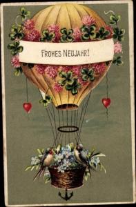 Präge Ak Glückwunsch Neujahr, Heißluftballon, Klee, Schwalben
