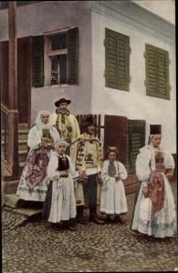 Ak Trachten Siebenbürgen, Sächs. Familie aus Rothberg