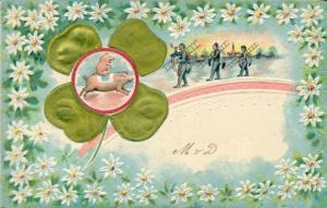 Stoff Präge Ak Glückwunsch Neujahr, Schornsteinfeger, Schwein, Klee, Blumen