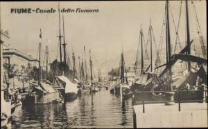 Ak Rijeka Fiume Kroatien, Canale della fiumara, Hafen