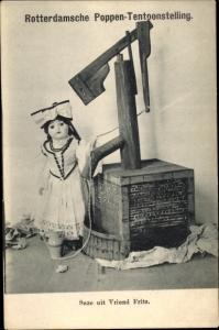 Ak Rotterdamsche Poppen Tentoonstelling, Puppe in niederländischer Tracht, Suze uit Vriend Fritz