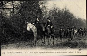 Ak Rambouillet Yvelines, Chasse Royale, Equipages de Bonnelles, la Reine Amelie se rendant a la Cure