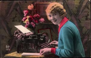 Ak Frau an der Schreibmaschine