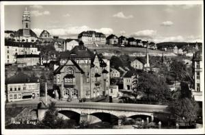 Ak Aue im Erzgebirge Sachsen, Blick auf die Stadt mit Muldenbrücke