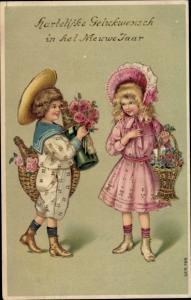 Präge Ak Glückwunsch Neujahr, Kinder mit Sektflasche, Blumenkorb