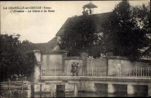 Ak La Chapelle sur Oreuse Yonne, Abreuvoir, Mairie, Ecoles