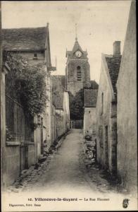 Ak Villeneuve la Guyard Yonne, Rue Housset