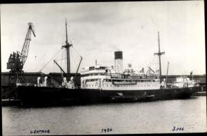 Foto Ak Steamer Centaur, Dampfschiff, Blue Funnel Line