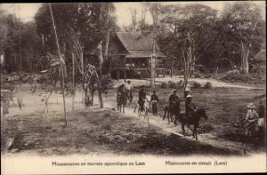 Ak Laos, Missionnaires en tournee apostolique, Missionaries on circuit