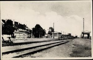 Ak Korsze Korschen Ostpreußen, Bahnhof, Gleisseite