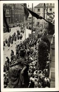 Foto Ak Karlsruhe in Baden Württemberg?, historische Militärparade im Kaiserreich