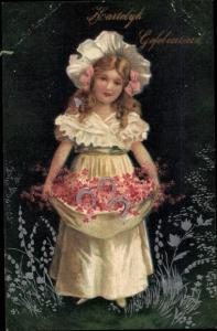 Präge Litho Glückwunsch Geburtstag, Mädchen mit Blumen und Hufeisen