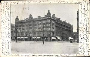 Ak Newcastle upon Tyne North East England, Entrance Hall, County Hotel