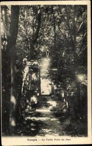 Ak Nangis Seine et Marne, La Vieille Porte du Parc