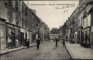 Ak Coulommiers Seine et Marne, Rue de la Ferte sous Jouarre