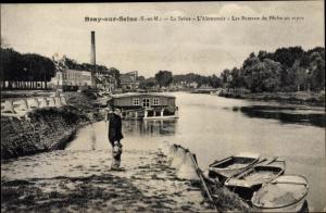 Ak Bray sur Seine Seine et Marne, La Seine, L'Abreuvoir, Les Bateaux de Peche au repos