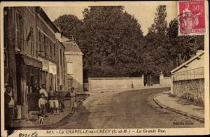 Ak La Chapelle sur Crecy Seine et Marne, La Grande Rue