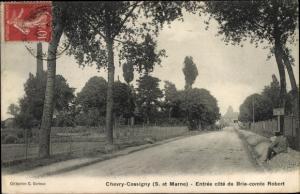 Ak Chevry Cossigny Seine et Marne, Entree cote de Brie comte Robert