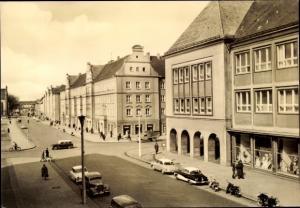 Ak Neubrandenburg in Mecklenburg, Ernst Thälmann Straße