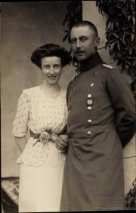 Ak Oskar Prinz von Preußen, Gräfin Ina Marie von Bassewitz