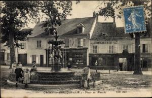 Ak Crouy sur Ourcq Seine et Marne, Place du Marché, Brunnen