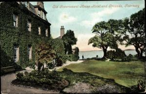Ak Kanalinsel Guernsey, Old Gouvernment House Hotel an Grounds
