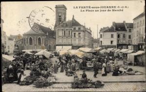 Ak La Ferté sous Jouarre Seine et Marne, La Place un jour de Marche