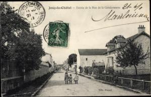 Ak Jouy le Châtel Seine et Marne, Entree de la Rue de la Gendarmerie