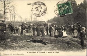 Ak Foret de Rambouillet Yvelines, Chasse a Courre, Avant la Curee