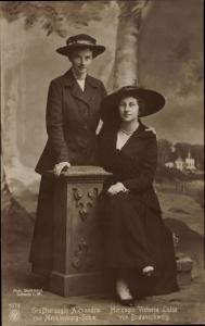 Ak Victoria Luise von Braunschweig, Alexandra von Mecklenburg Schwerin, NPG 6274