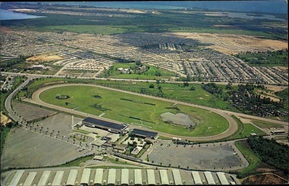 Ak San Juan Puerto Rico, Aerial view of Rio Piedras showing El Comandante Race Track 0