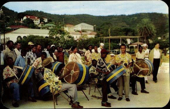 Ak Saint Thomas Amerikanische Jungferninseln, A Steel band greeting passengers of a cruise ship 0