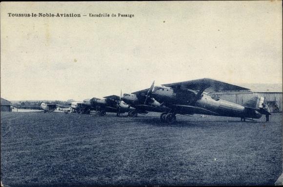 Ak Toussus le Noble Yvelines, Escadrille de Passage 0