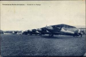 Ak Toussus le Noble Yvelines, Escadrille de Passage