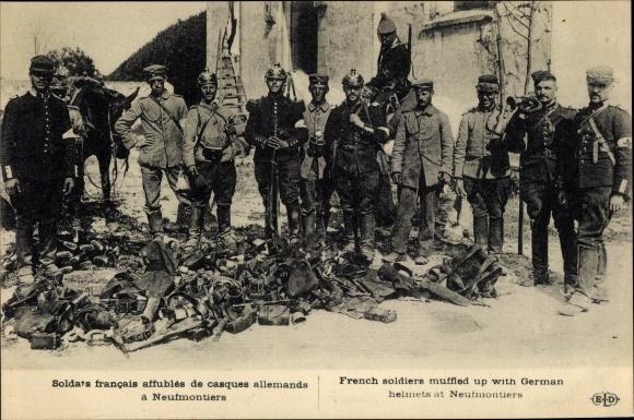 Ak Chauconin-Neufmontiers Seine et Marne, Soldats francais de casques allemands 0