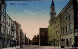 Ak Opole Oppeln Schlesien, Straßenpartie am Rathaus
