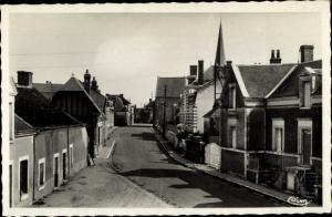 Ak Soings en Sologne Loir et Cher, La Rue des Ecoles