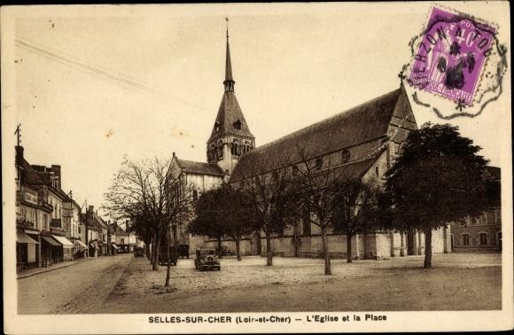 Ak Selles sur Cher Loir et Cher, L'Eglise et la Place 0