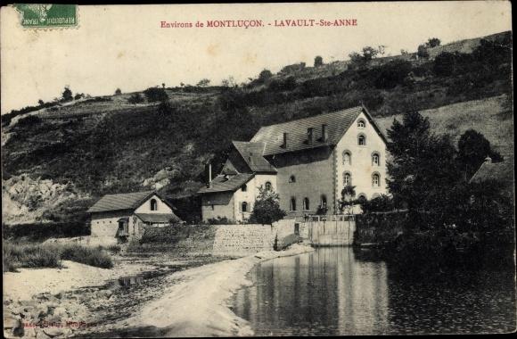 Ak Lavault Sainte Anne Allier, bord du rivière, bâtiments 0