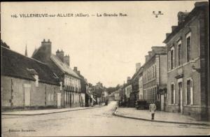 Ak Villeneuve sur Allier Allier, La Grande rue
