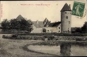 Ak Vallon en Sully Allier, Château de la Guerche, vue générale, rive