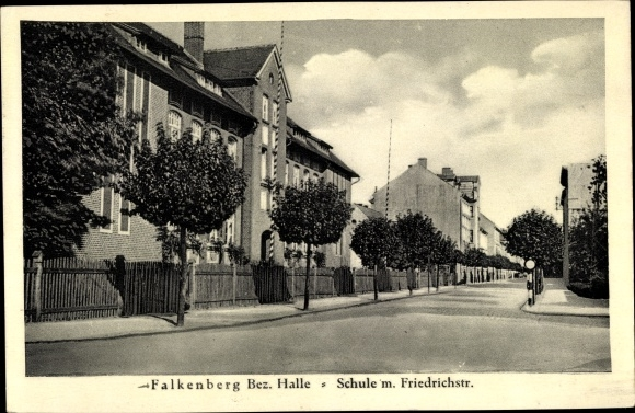 Ak Falkenberg an der Elster, Schule mit Friedrichstraße 0