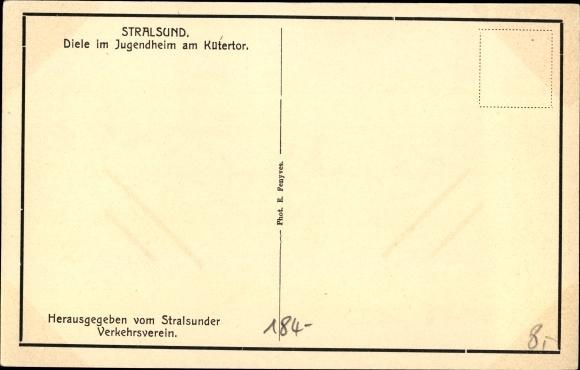 Ak Stralsund in Vorpommern, Diele im Jugendheim Kütertor 1