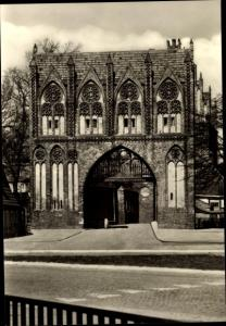 Ak Neubrandenburg in Mecklenburg, Stargarder Tor, Feldseite