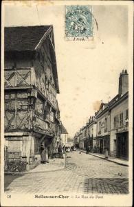 Ak Selles sur Cher Loir et Cher, La Rue du Pont