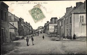 Ak Commentry Allier, rue de la Mine, piétons