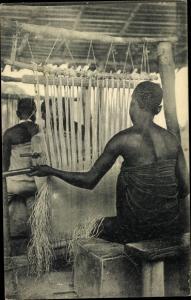 Ak DR Kongo Zaire, Moanda en omstreken, Moanda et ses environs, Het weven van inlandsche stoffen
