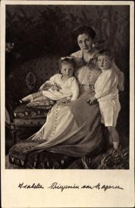 Ak Isabelle Prinzessin von Bayern mit Kindern