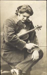 Ak Violinist und Komponist Eugène Ysaÿe, Portrait mit Geige