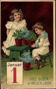 Präge Litho Glückwunsch Neujahr, Junge, Mädchen, Kalenderblatt 1 Januar, Kleeblätter